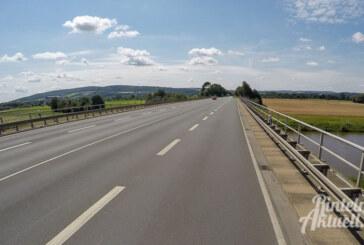 Fünf Wochen lang Verkehrsbehinderungen auf B238: Arbeiten an Schutzplanken starten nächste Woche