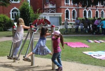 """""""Mondpanther"""" verbringen Familiennachmittag am Generationenplatz Kapellenwall"""
