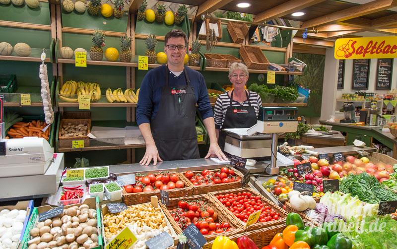 01 rintelnaktuell delicata fruechte kleine markthalle weserstrasse obst gemuese salat saftbar