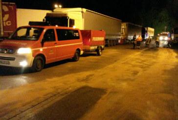 Zwei Einsätze in einer Nacht: Feuerwehr Rinteln auf Autobahn und in Nordstadt unterwegs