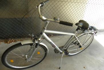 Aus dem Polizeibericht: Fahrradbesitzer gesucht, Fahrrad gestohlen
