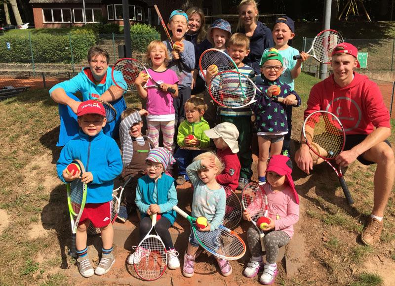 01-rintelnaktuell-waldkindergarten-tennisverein-rot-weiss-waldzwerge