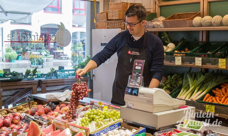 02 rintelnaktuell delicata fruechte kleine markthalle weserstrasse obst gemuese salat saftbar