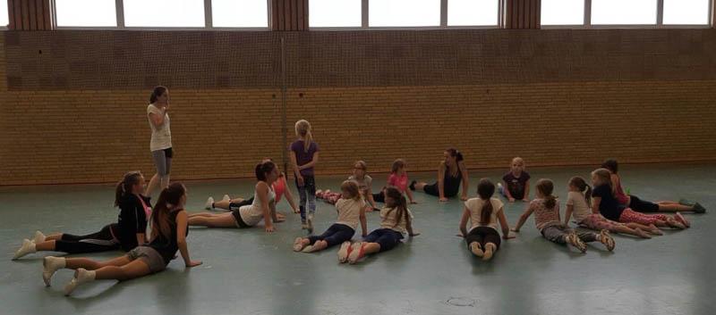 02 rintelnaktuell rcv rintelner carnevalsverein tanzsportabteilung trainer ferienspassaktion stadtjugendpflege