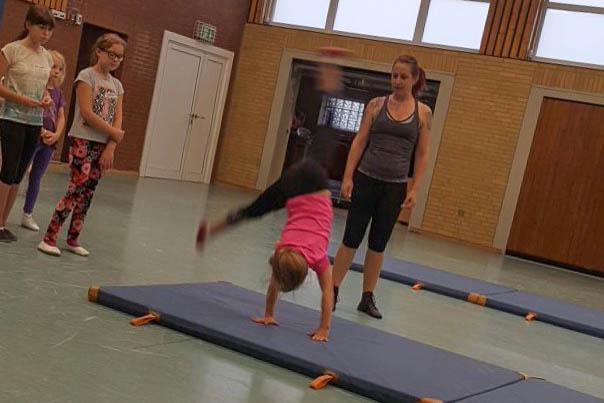 05 rintelnaktuell rcv rintelner carnevalsverein tanzsportabteilung trainer ferienspassaktion stadtjugendpflege