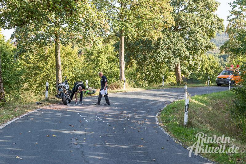 01-rintelnaktuell-motorradunfall-wennenkamp-k77-11-9-16