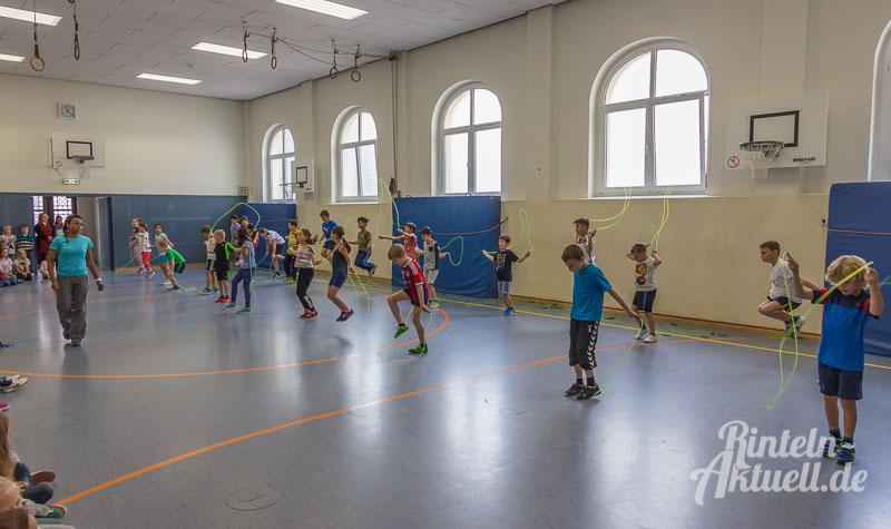 01-rintelnaktuell-skipping-hearts-aktion-herzstiftung-grundschule-sued