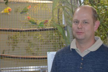 850 Vögel bei Vogelschau in der Mehrzweckhalle Engern