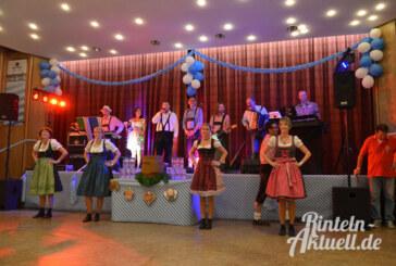 O zapft is nun auch in Rinteln: Oktoberfest im Brückentorsaal