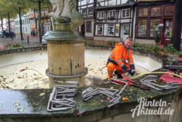 Wasser aus: Glasbläserbrunnen auf den Winter vorbereitet