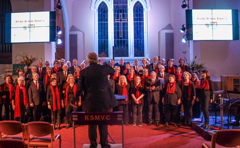 01-rintelnaktuell-gospelchor-kendal-k-shoes-choir-maennerchor-musik-gesang-partnerstadt-lake-district-england-uk