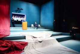 """Theater für Niedersachsen zeigt """"Dantons Tod"""" im Brückentorsaal"""