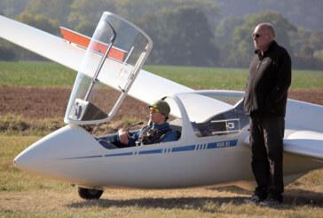 Drei Flugschüler absolvierten ihre ersten Alleinflüge