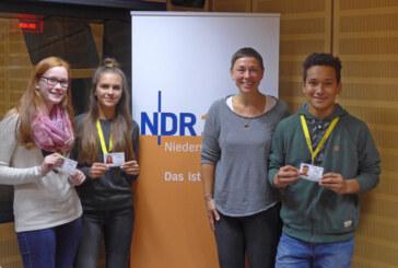 """Gymnasium Ernestinum Rinteln: Bus-Scouts gestalten """"Plattenkiste"""" von NDR 1 Niedersachsen"""