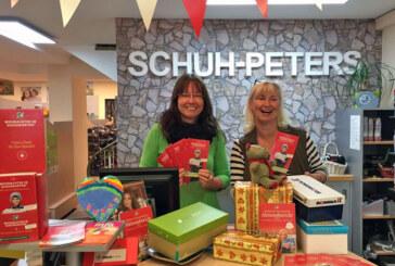 """Mit """"Weihnachten im Schuhkarton"""" Geschenke für Kinder spenden"""
