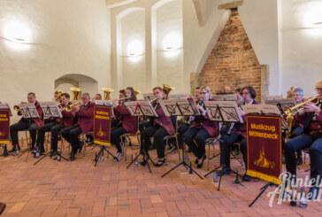 Konzert im Kloster Möllenbeck: Musik, Kaffee und Kuchen – und Spenden für eine neue Tuba
