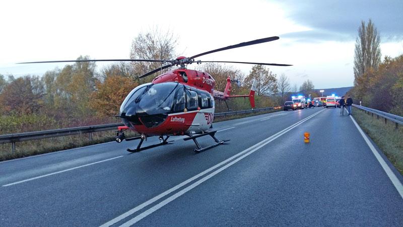 01-rintelnaktuell-b83-polizei-unfall-hessisch-oldendorf-rettungshubschauber-strasse-19-11-16