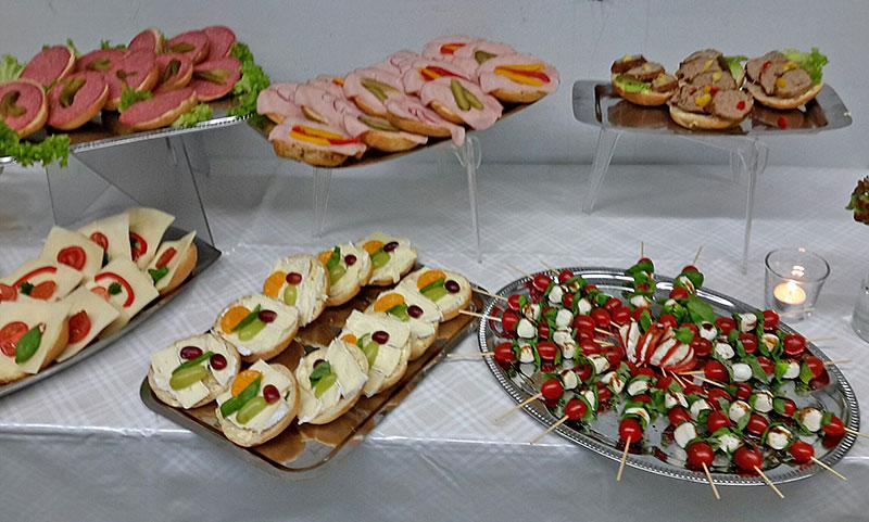 01-rintelnaktuell-drk-blutspende-dauestrasse-22-11-16-buffet