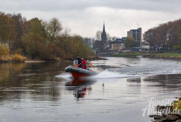 Angler findet Menschenknochen bei Ahe: Spurensuche von Polizei und Feuerwehr