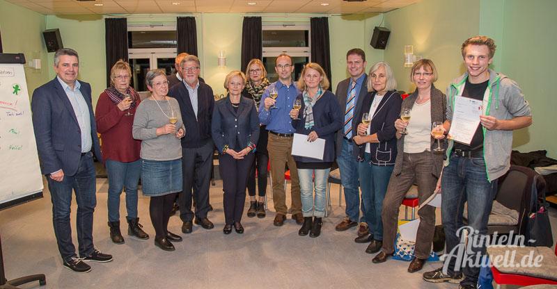 02-rintelnaktuell-familienpatenprojekt-kinderschutzbund-schulung-teilnehmer-ehrenamt-urkunden-november-2016