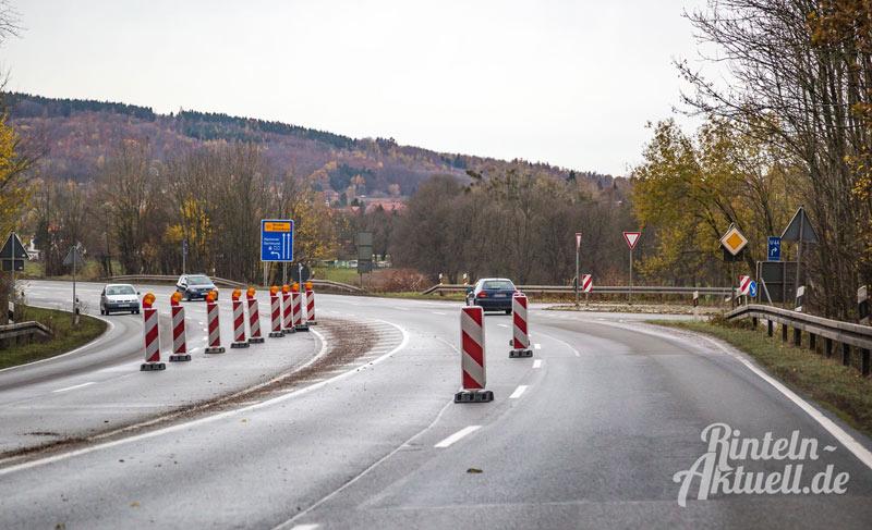 03-rintelnaktuell-b83-baustelle-steinbergen-bundesstrasse-asphalt-ausbesserungen-november-2016-einspurig-bauarbeiten