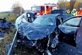 Schwerer Unfall mit Todesfolge auf B83: Polizei nennt Wildunfall als mögliche Ursache