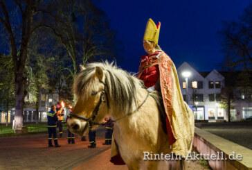 Am 11. November: Martinsumzug mit Pferd und Reiter