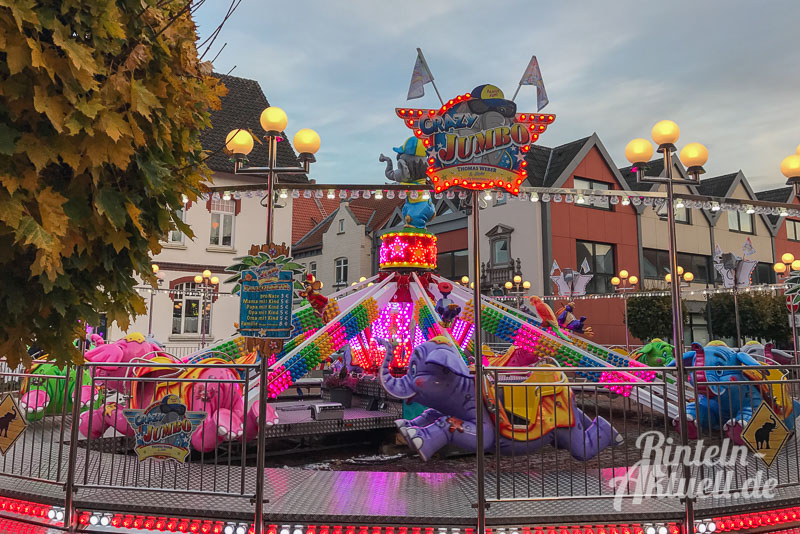 09-rintelnaktuell-herbstmesse-2016-fahrgeschaefte-riesenrad-karussell-autoscooter-musikexpress-messetaler-altstadt-volare-kirmes-rummel-jahrmarkt-weserbergland-schaumburg