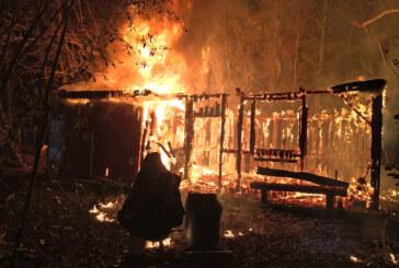 Feuer zerstört Gartenhütte am Exter Weg