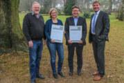 Sparkassenstiftung vergibt Belobigung im Rahmen des Preises für Denkmalpflege für Restaurierung des Palais im Park