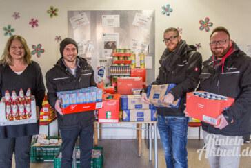 Ein Segen, so kurz vor Weihnachten: Taydoo-Team spendet Lebensmittel für Rintelner Tafel