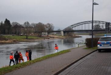 Rinteln: Spaziergänger findet Toten am Weserufer