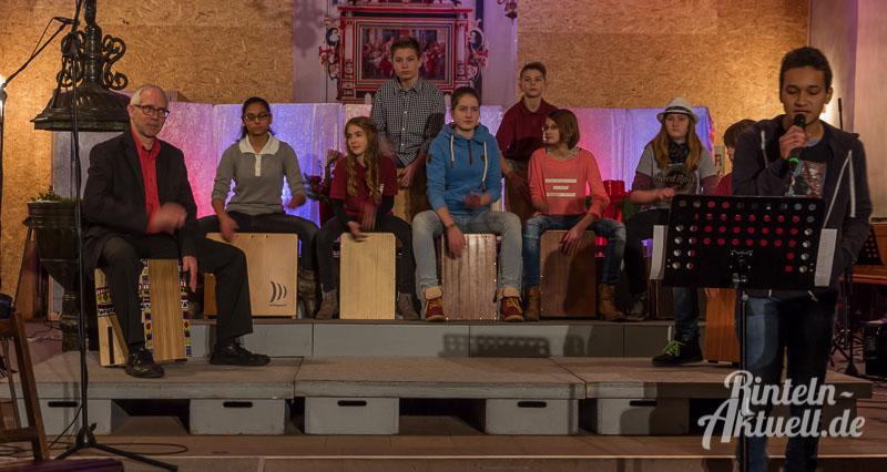 04-rintelnaktuell-weihnachtskonzert-gymnasium-ernestinum-st-nikolai-kirche-2016-musik-bigband-musici-hausband-ernies-abichor