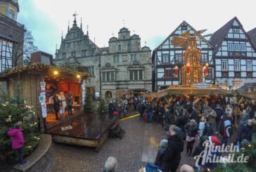 Spenden statt Schnäppchen: Über 2.500 Euro kommen bei Aktion der BBS auf dem Weihnachtsmarkt zusammen