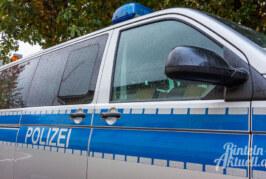 Über spielende Kinder geärgert: Mann (70) hantiert mit Waffe am Fenster
