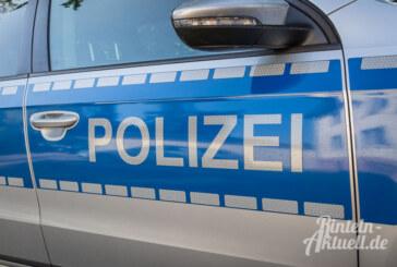 Zu spät gebremst und aufgefahren: Honda schiebt Opel auf LKW