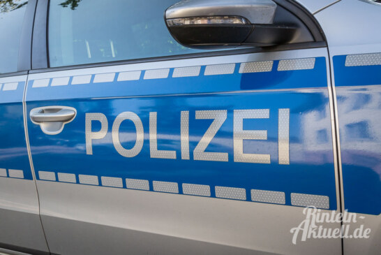 Unfallbeteiligter setzt Fahrt fort: Polizei sucht Zeugen