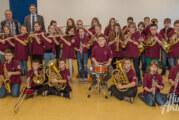 """Lions Club spendet """"Dienstkleidung"""" für junge Musiker"""