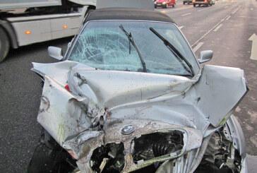 Unfall auf der B83 bei Bad Eilsen: BMW-Fahrer und Beifahrer schwer verletzt
