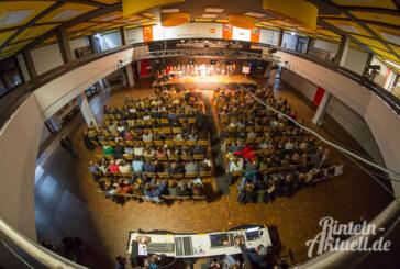 Von Käsekuchen, Toleranz und Beziehungsstress: 6. Poetry Slam im Ernestinum