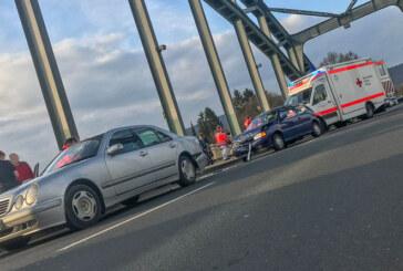 Rinteln: Auffahrunfall auf der Weserbrücke