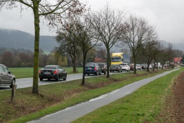 Baustelle Steinberger Kreuzung: Kleiner Stau-Vorgeschmack auf den Umleitungsstrecken