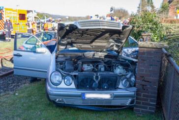 Porta: Sechs Verletzte bei Verkehrsunfall mit zwei Autos