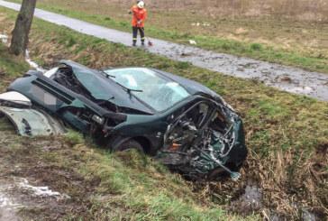 Bei Hohenrode von der Straße abgekommen: Autofahrer schwer verletzt ins Klinikum geflogen
