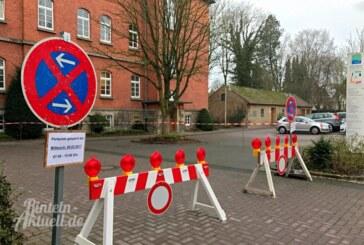 Parkplätze hinter Rathaus teilweise gesperrt