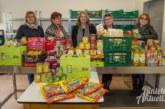 Vom Flohmarkt zu Rintelner Tafel: Weibertag SHG überreicht großes Lebensmittelpaket