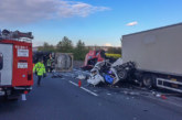 A2 zwischen Rehren und Lauenau: Schwerer Unfall, zwei Tote (43, 10)