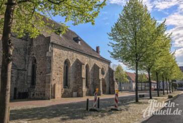 Kirchplatz: Wo ist der Baum?