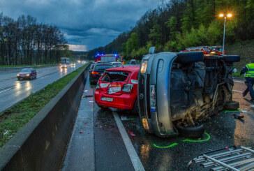 Unfallserie auf der A2 bei Bad Eilsen: 14 Verletzte, 21 Fahrzeuge, 200.000 Euro Schaden