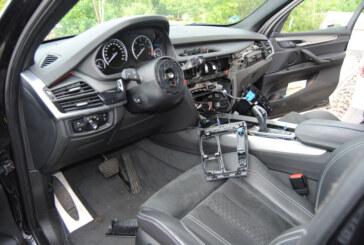 Airbaglenkräder und Navis aus drei BMW X5 gestohlen